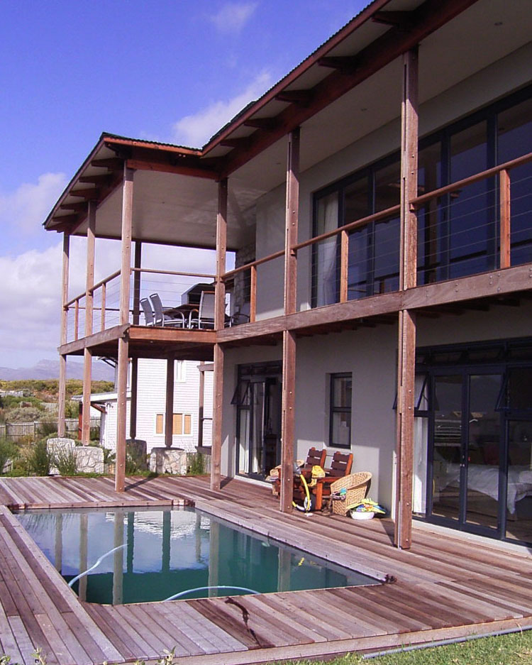 Wooden decks & pool surrounds